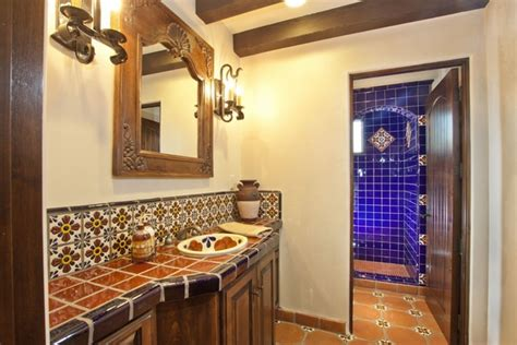 spanisches badezimmer mexican tiles in the interior richness of colors and