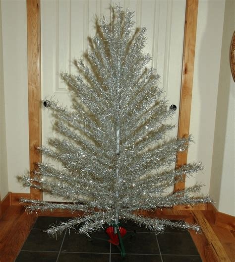 aluminum christmas tree with vintage metal christmas tree