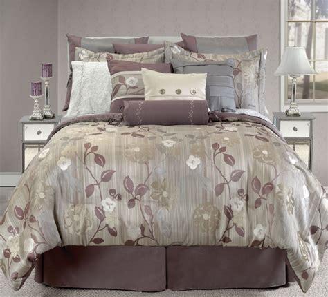 sul letto 5 modi per disporre i cuscini sul letto foto www