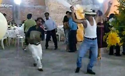 Imagenes Chistosas Bailando | dos bailarines pasados de copas videos de humor bromas