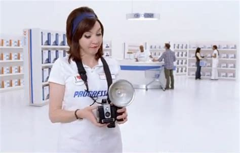 flo new hairstyle commercial progressive commercial i love this progressive insurance