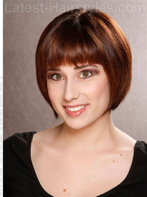 short brunette hairstyles bangs 10 cute short chin length hairstyles