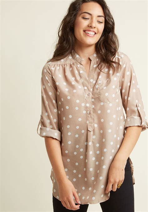 Bloues Wanita Sw Blouse Maroco hosting for the weekend tunic in taupe modcloth