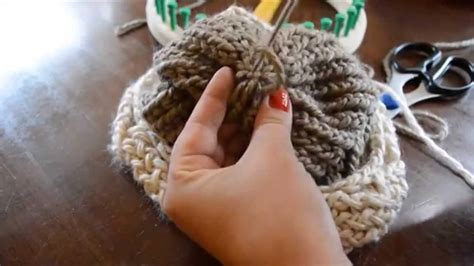 how to finish knitting a hat finishing your loom knit hat weave in and secure yarn