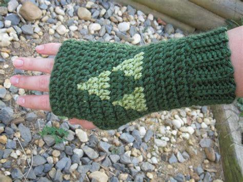 free crochet pattern zelda hat triforce wrist warmers legend of zelda crochet pattern by