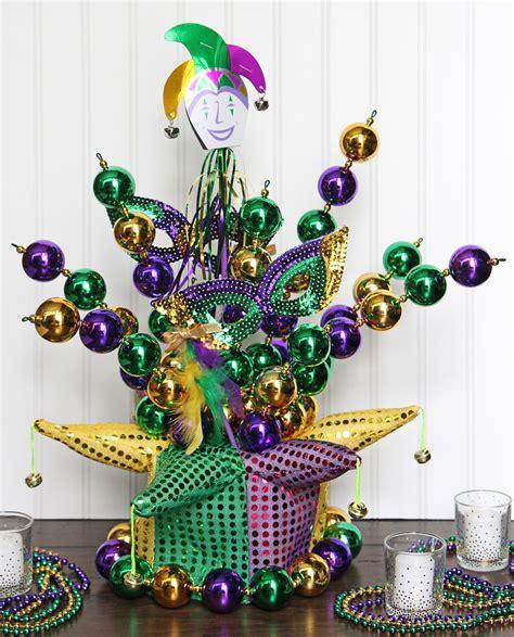 mardi gras diy jester hat centerpiece party ideas