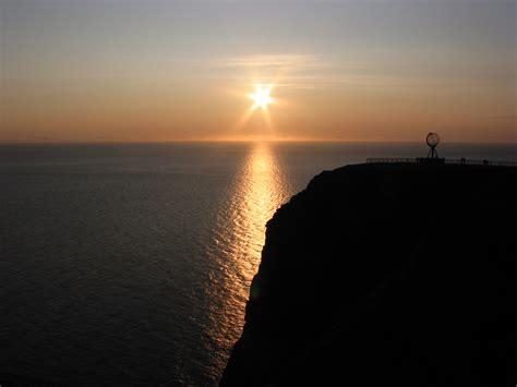 file midnight sun jpg