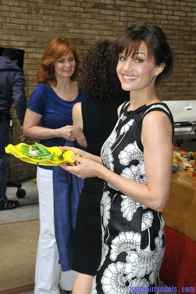 Hairstyle In Back In Front Slant by Carla Gugino S Updo With Beautiful Bangs Creating Flair