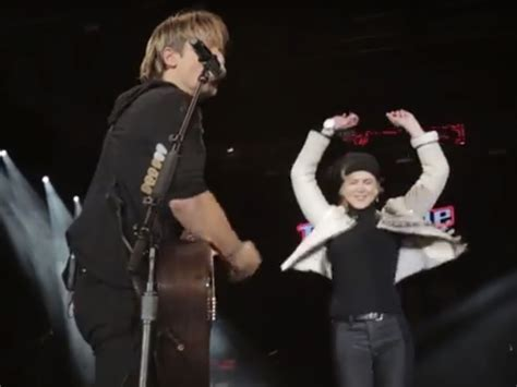 new year song medley keith and a kidman ring in