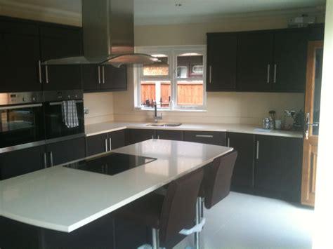 Traditional Shaker Kitchen - fairway kitchens 100 feedback kitchen fitter handyman