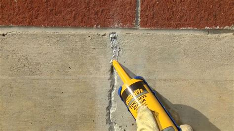 Riss In Wand Reparieren by How To Repair Cracks In Vertical Concrete Surfaces With