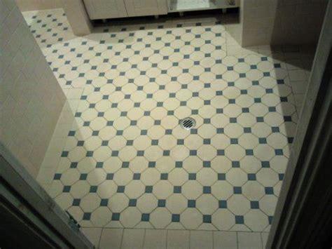 edwardian bathroom floor tiles edwardian tiles 100x100 ivory octagon and greeen dot