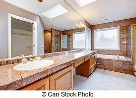 Granit Countertops Badezimmer by Stockbild Gro 223 Badezimmer Wanne Fensteransicht