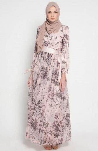 Gamis Trendy Motif Bunga Wanita tilan trend model gamis terbaru wanita muslim 2018