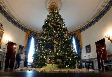 white house displays holiday decorations for your tabletop