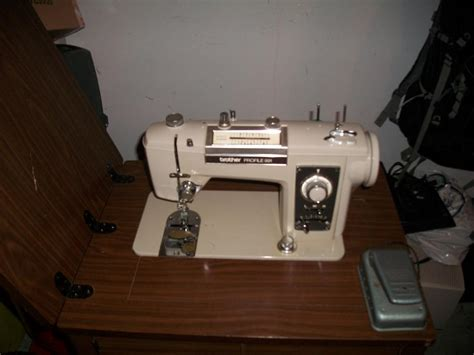 used sewing machine cabinet brother sewing machine in cabinet see picture central