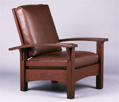 Stickley Morris Chair by Gustav Stickley Bowarm Morris Chair C1907 1910