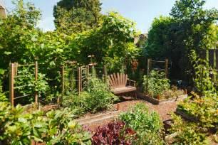 Backyard Patio Ideas Flagstone