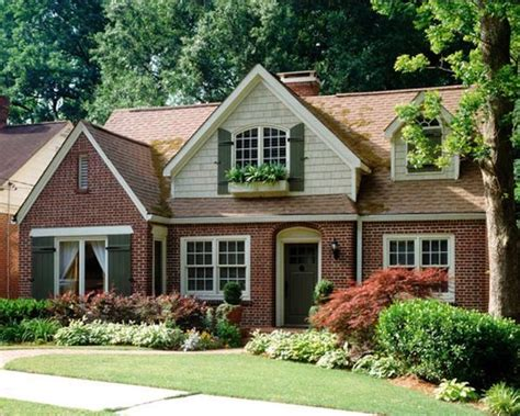 25 best ideas about brick houses on brick house exteriors brick house colors