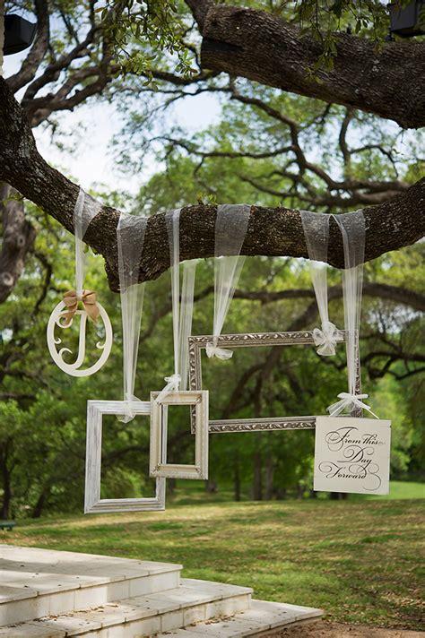 Wedding Backdrop Frame by 12 Fab Ways To Use Frames In Your Wedding Weddingsonline