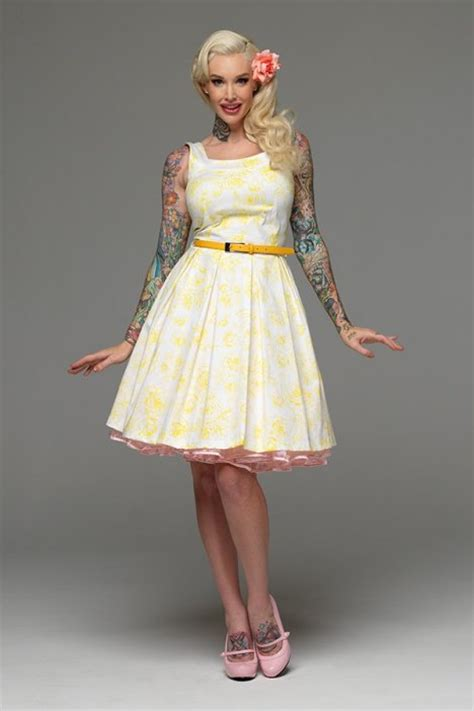 Swing Stil Kleidung by Hell Bunny Pinup Fashion De