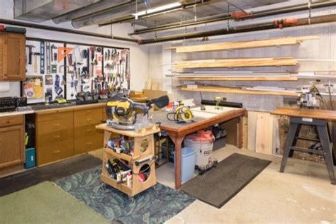 woodwork hobby amenities independent living for seniors in st charles il