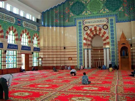 Karpet Masjid Tanah Abang masjid cantik di tengah ramainya pasar tanah abang