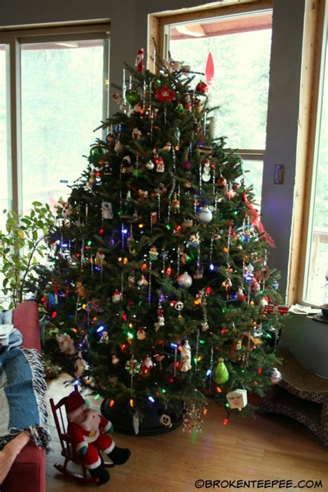 artificial or real christmas tree what s for you