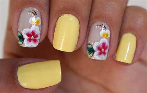 imagenes artisticas simples unhas decoradas com flores manual bela e simples unhas