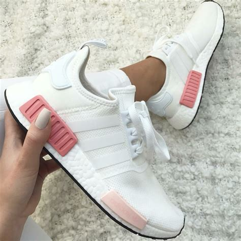 adidas originals nmd in wei 223 pink white pink foto denise niisi instagram fashionista