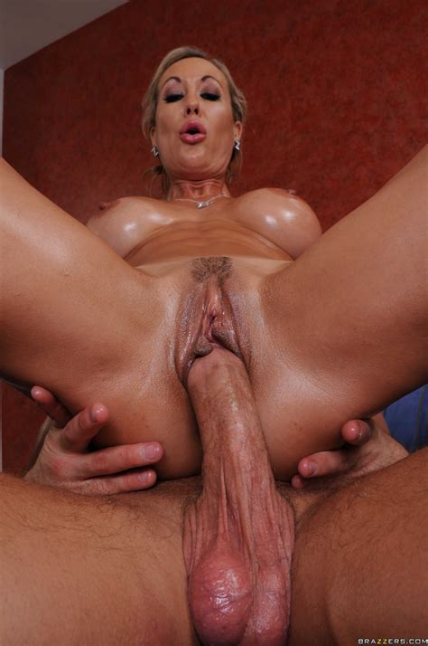 Oiled Perfect Milf Getting Fucked Pichunter