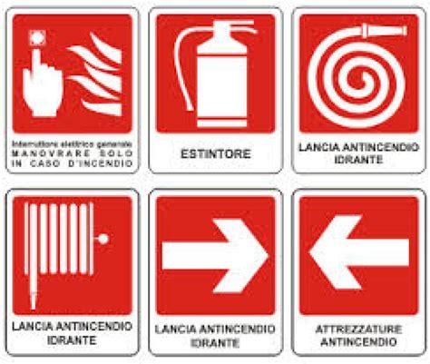 segnaletica per interni adesivi segnaletica antincendio per interni bagnoscout it