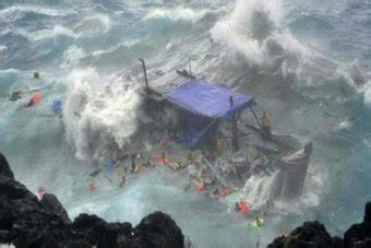 australia refugee boat disaster shipwreck survivors returned to christmas island against