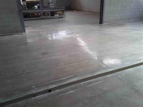 pavimento cemento lucidato vantaggi cemento lucidato lucidatura levigatura