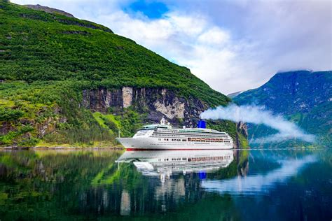 best deals on cruises last minute summer cruise deals you can t miss