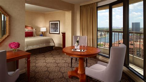 hotel suites in chicago with 2 bedrooms las colinas hotel suites omni mandalay hotel at las colinas
