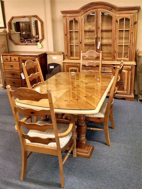 pennsylvania house dining set delmarva furniture consignment broyhill pine dining set delmarva furniture consignment