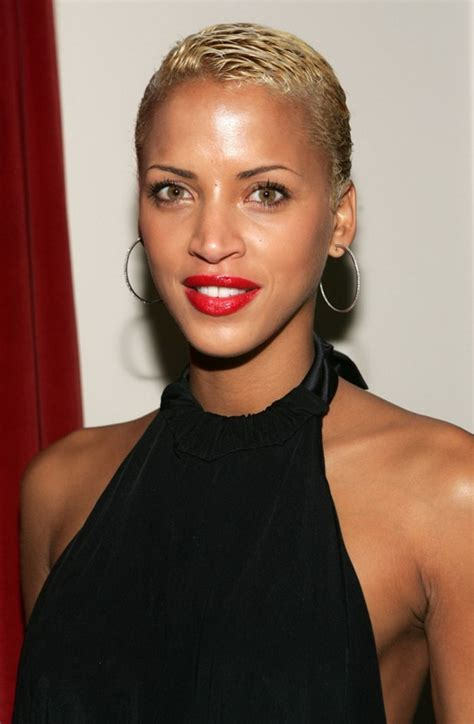 boycut hairstyle for blackwomen stylish short cut hairstyle for black women short