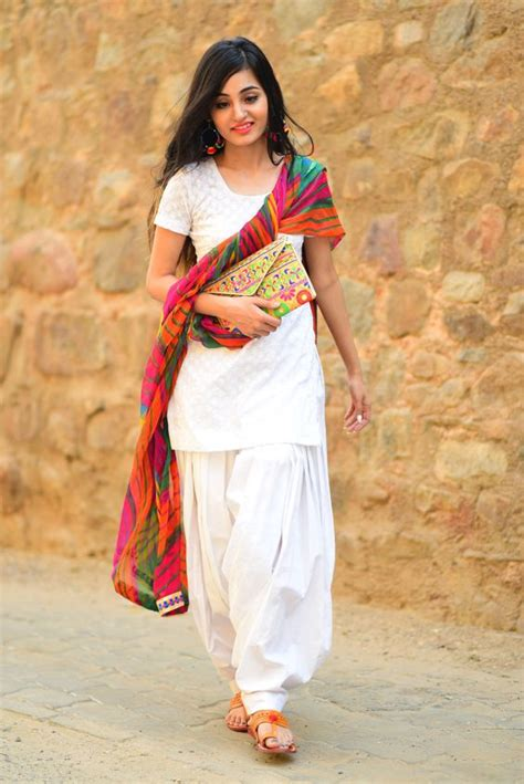 Fashionable Punjabi Suit For Trendy Girls ? Designers Outfits Collection