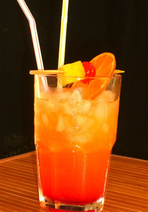 Planters Punch by Planter S Punch Cocktail Recipe Dishmaps