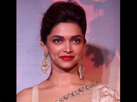 5 Deepika Padukone Controversies That Stunned Bollywood - deepika padukone cleavage controversy the hindu slams toi
