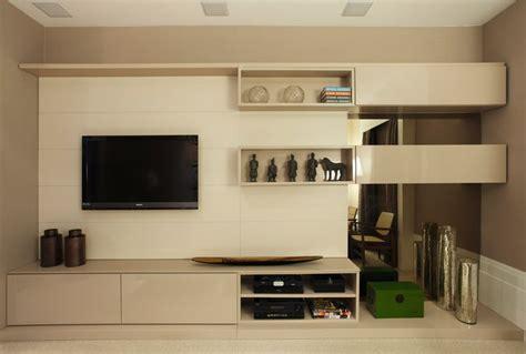 decoração de quarto de casal bancada estante mobile pain 233 is e nichos laqueados em tons de