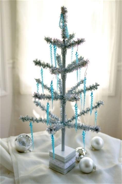 """24"""" Tinsel Tree   Aluminum Christmas Tree"""