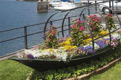 boat made into bed learn how to plant a boat garden
