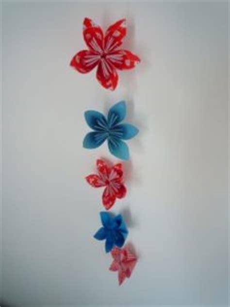 How To Make Paper Flower Garlands - 37 diy paper garland ideas guide patterns