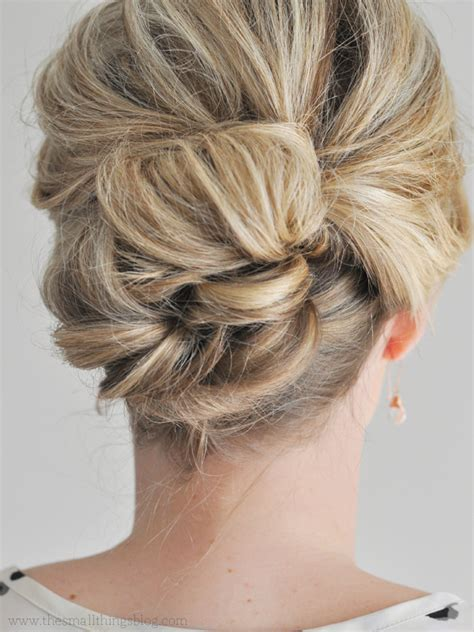 Hairstyles For Hair Updos Easy by 5 Easy Updos For Medium Hair