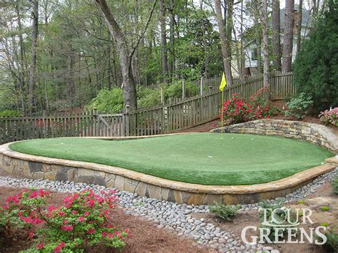 a putting green in backyard backyard putting green 187 backyard