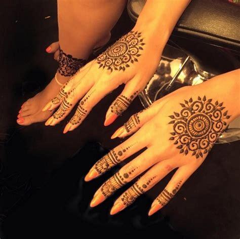 beyonc 233 retour du tatouage au henn 233 beauty look