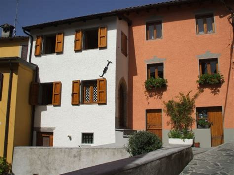casa shop roma 3 bedroom mountain house in italy tuscany lucca