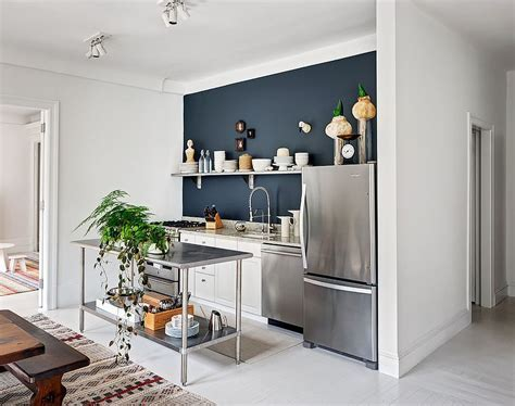 Small Stainless Steel Islands for the Space Savvy Modern